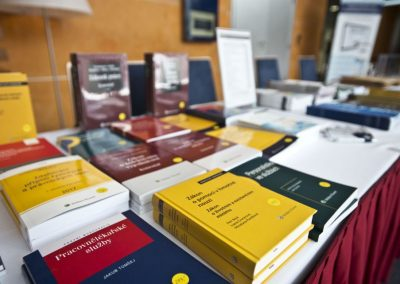 prodej-knih-na-konferenci-k-pracovnimu-pravu